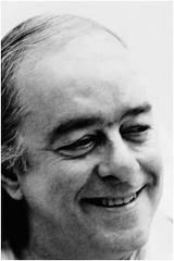 Vinicíus de Moraes: De tudo ao meu amor serei atento Antes, ...